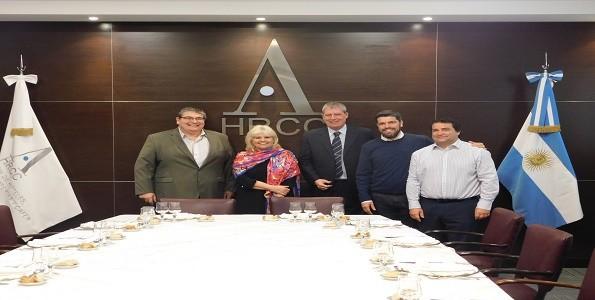 La Ministra de Salud con los empresarios gastronómicos de la ciudad
