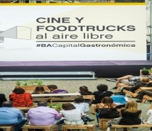 Cine y food trucks en Buenos Aires