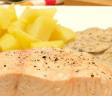 Salmón en salsa de champiñones